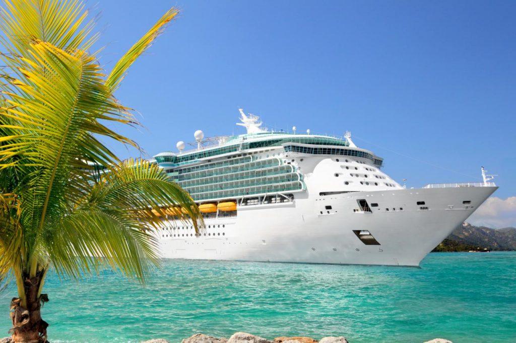 viagem-turistica-em-navio-luxuoso