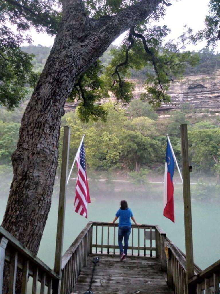 """A casa de família que fiquei em frente ao rio na cidade """" Canion Lake"""""""